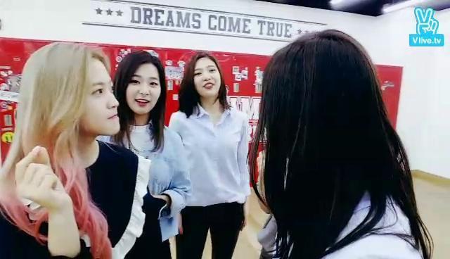 Red Velvet's Level UP - 깜짝 LIVE!
