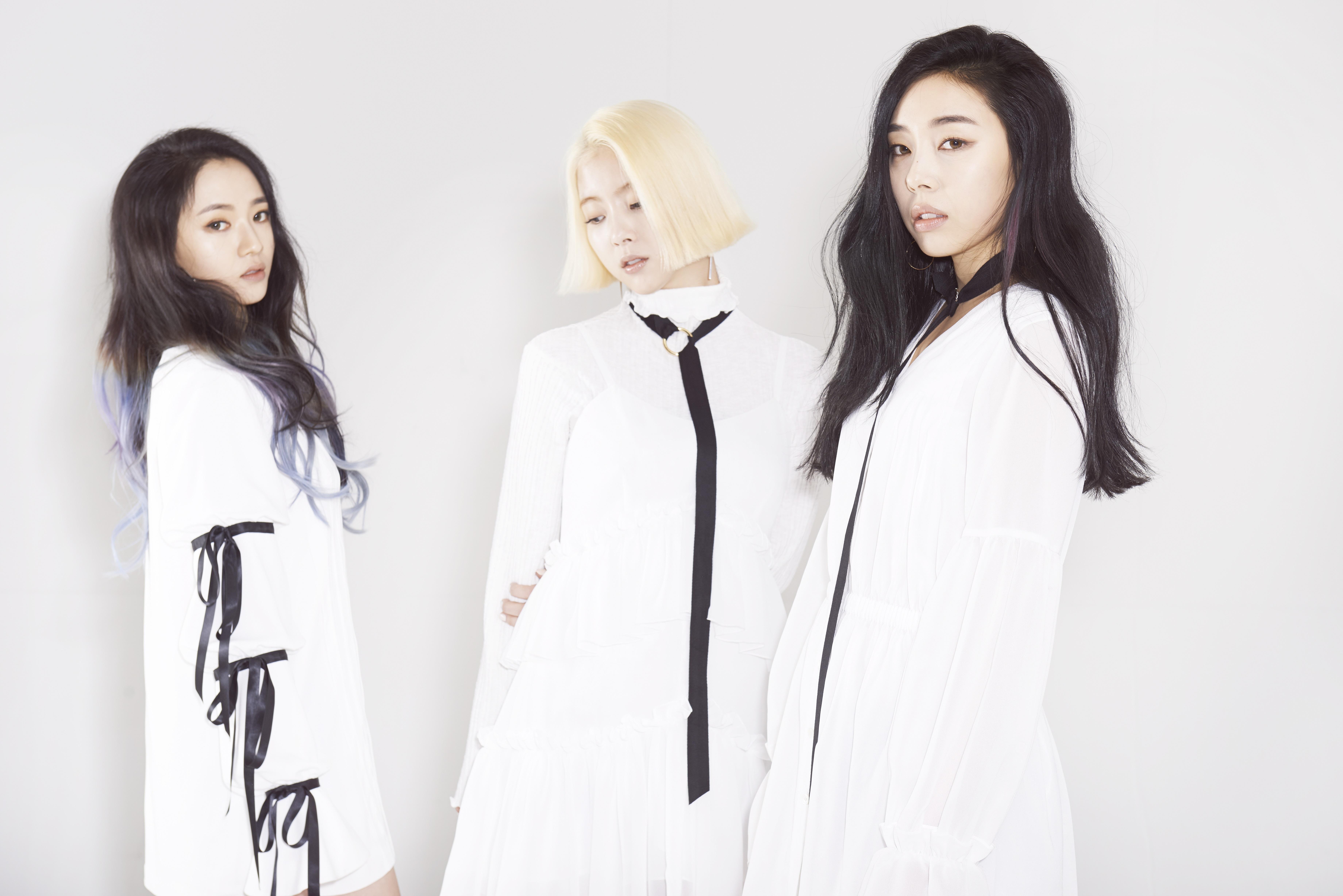 """LADIES` CODE """"본격! 영어방송!!"""""""