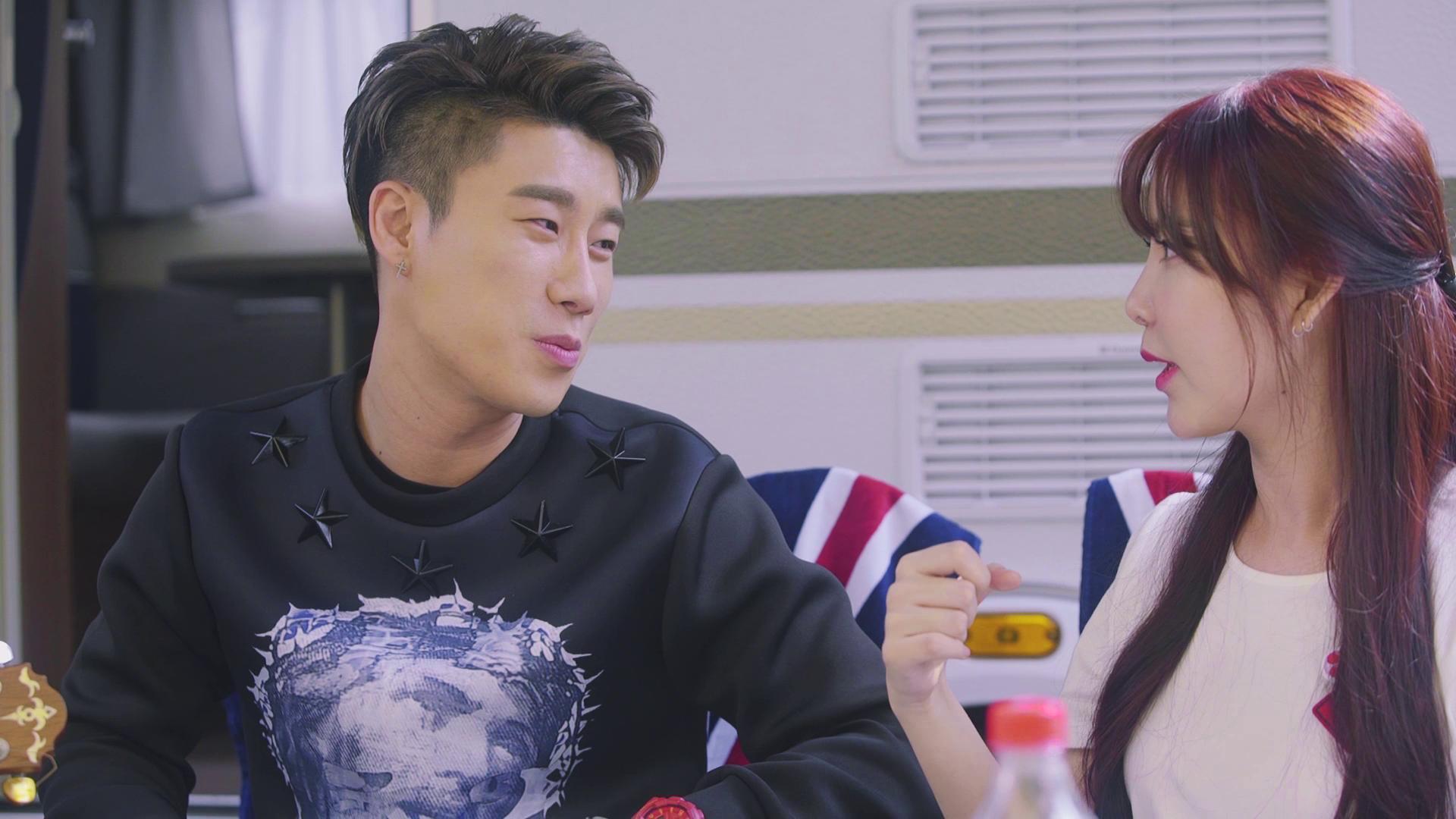 산이 X 레이나 (San E X Raina) - '달고나' + '한여름밤의 꿀' 어쿠스틱 Ver.