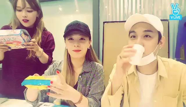 [칸토&민희] 일본에서 비행기 타고 날아온 과자! 먹방 리뷰