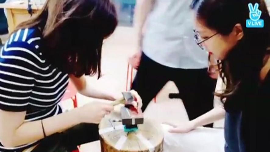 [Apink] ~Apink의 반지장인 오하영 등장~ (Apink making a ring)