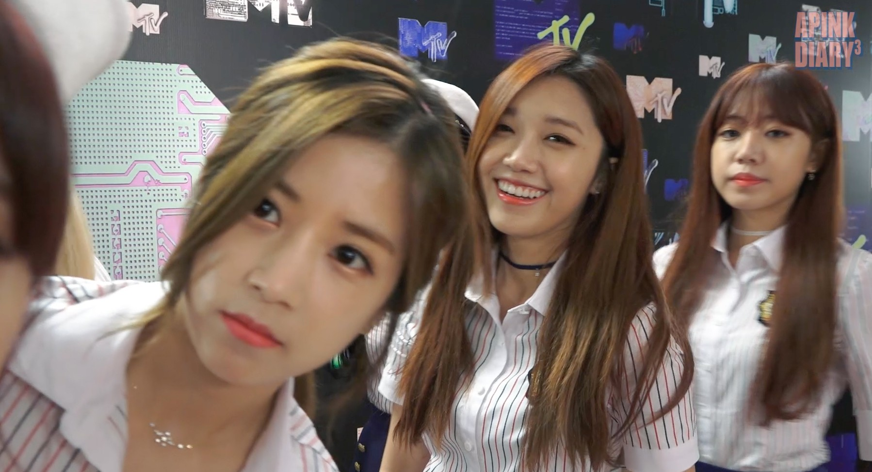 Apink Diary3 EP.03 (필리핀 MTV Music Evolution)