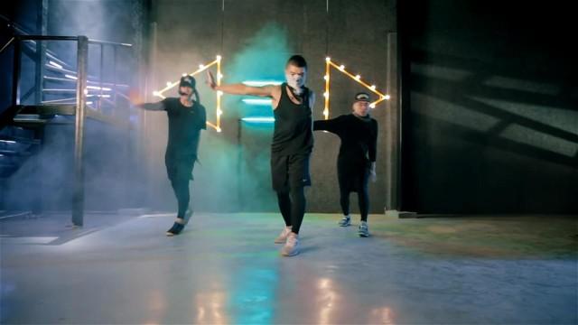 Cuong Seven Choreography | Bouzouki by Aero Chord