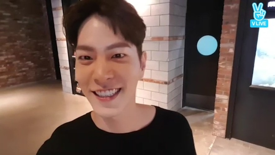 [HONG JONG HYUN] 브이앱 초보 쫑 (Jonghyun's first V live)