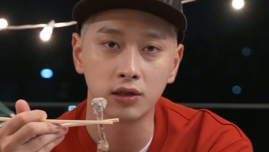 [2PM] 치킨 황선생의 먹방 명언(Chansung's chicken mokbang)