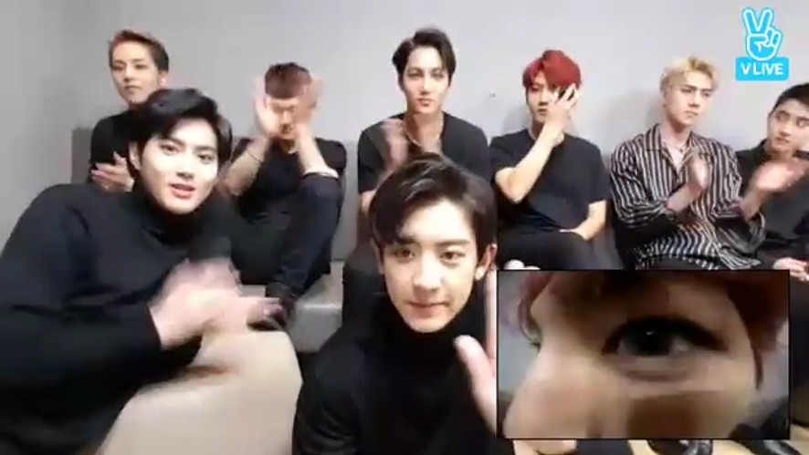 [EXO] 얼굴 알파고들의 카메라 놀이(EXO playing with a dual camera)