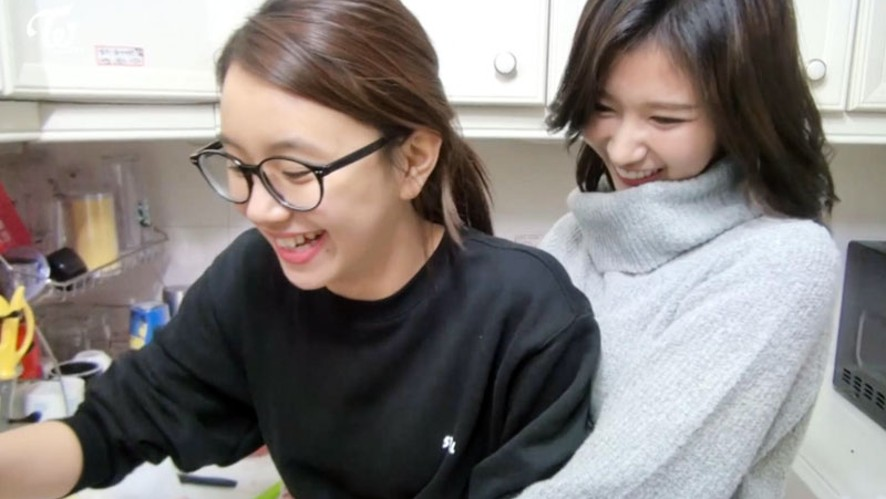 TWICE TV4 EP.06 - 다현이 수능 간식 만들기 -
