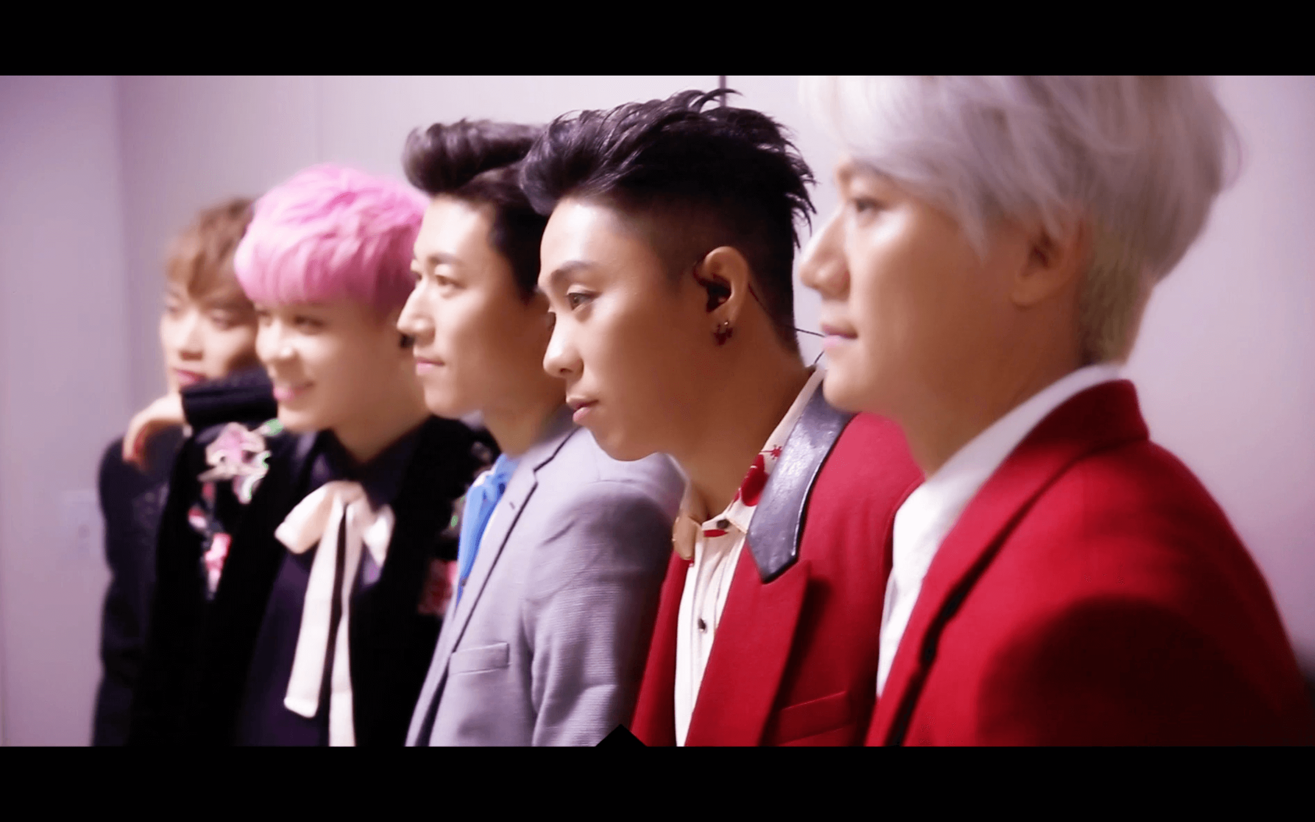 SECHSKIES - BEHIND THE 'COME BACK STAGE'