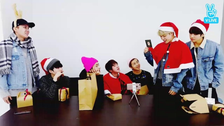 V LIVE - BTS Live : 방탄 크리스마스🎄선물파티🎁