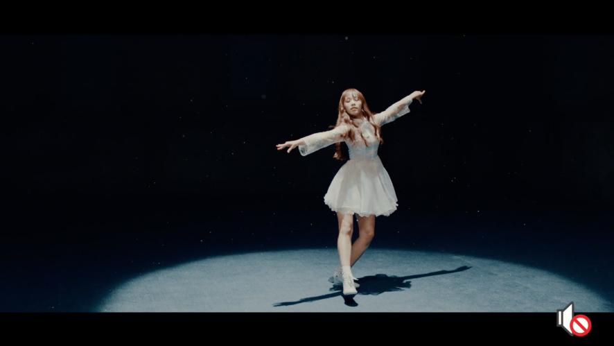 """APRIL - """"April Story"""" Rachel Key point of dance"""