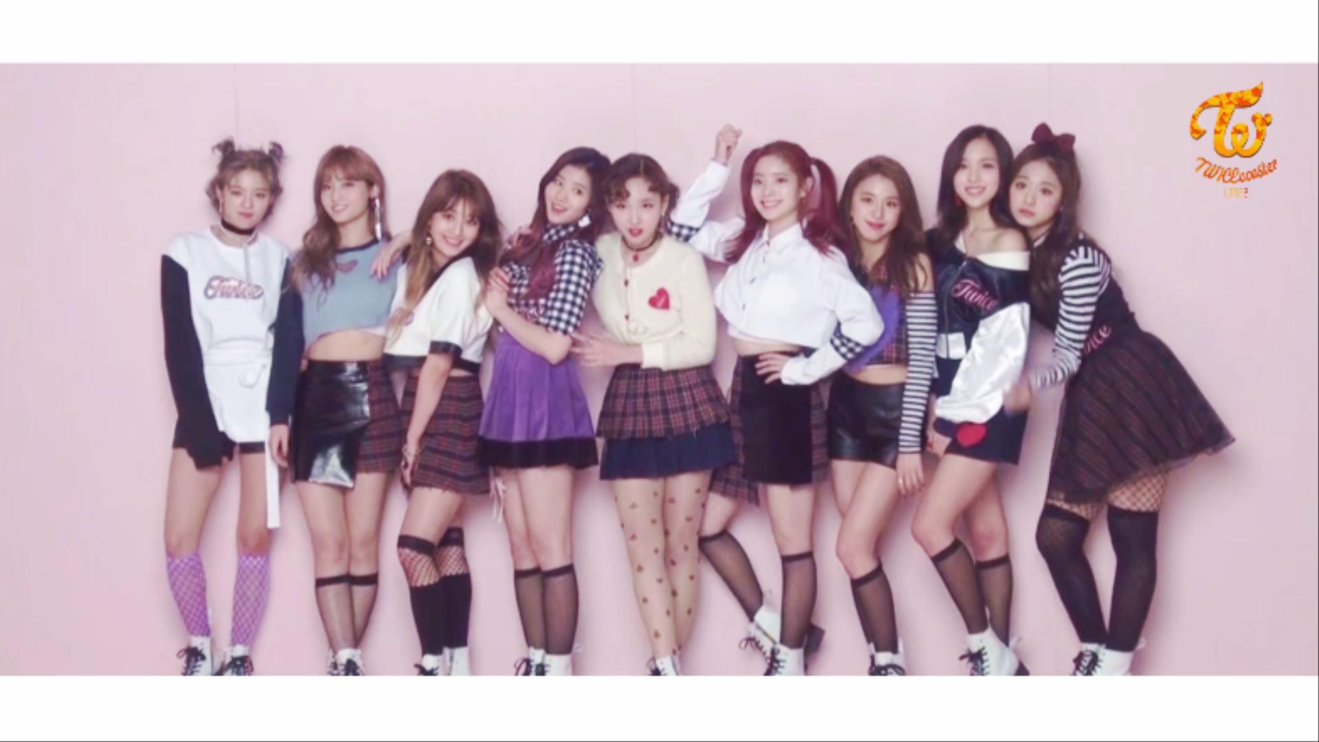 "TWICE(트와이스) ""KNOCK KNOCK"" Jacket Behind"