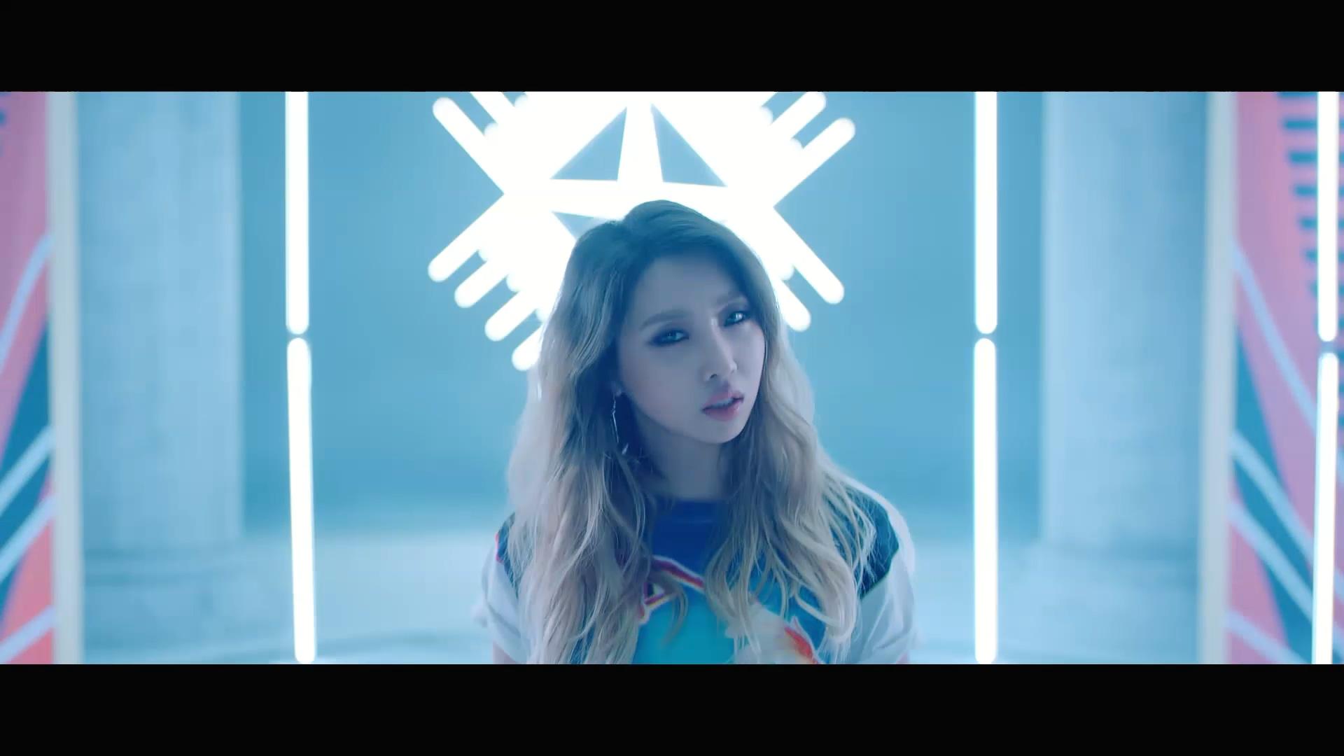 ★공민지(Minzy)★ 니나노 (Feat. 플로우식(Flowsik)) Music Video