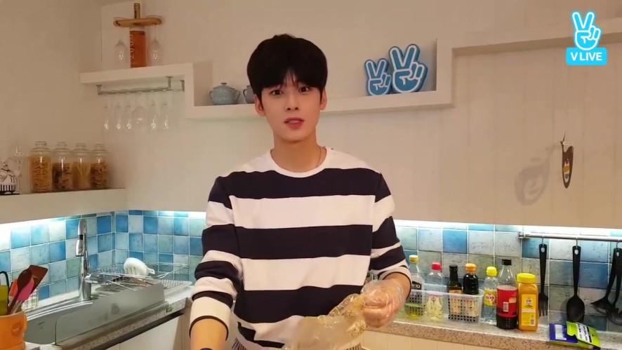 나혼자LIVE #04 집빵 차선생 (Cooking with Mr.Cha)