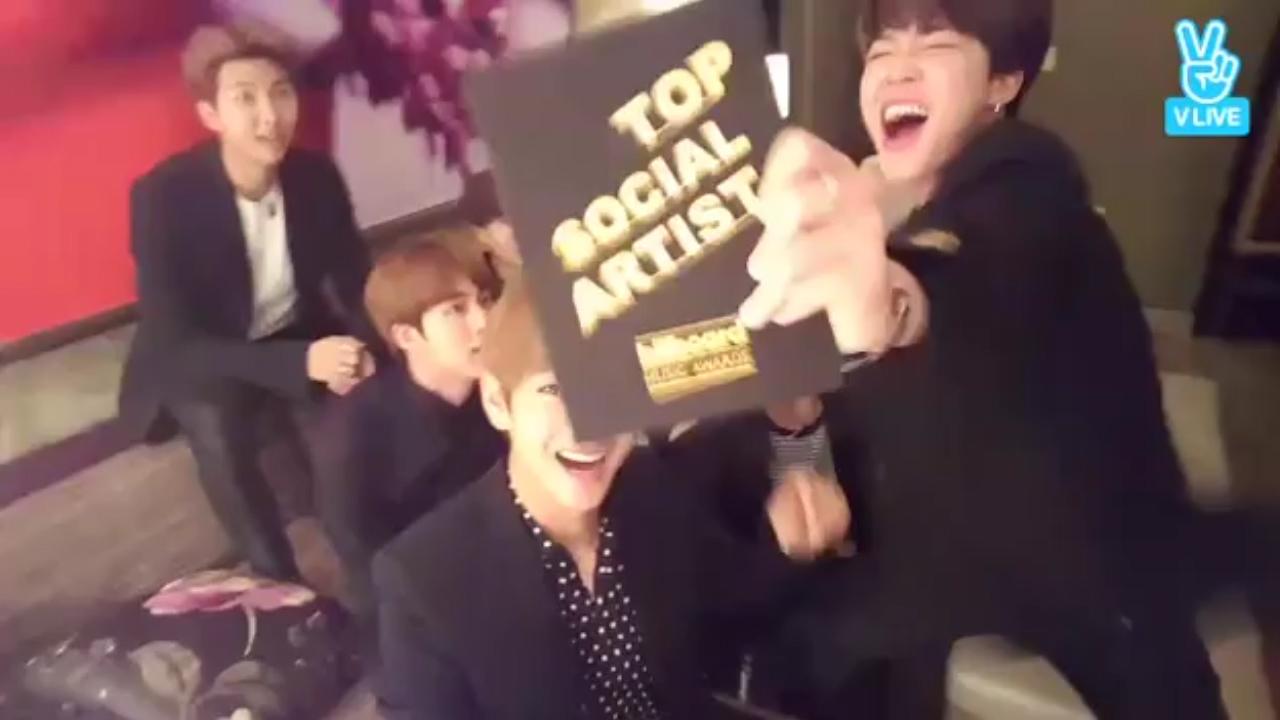 [BTS] 🏆빌보들어가서 상탄소년단🏆 (BTS won the BBAMs!)