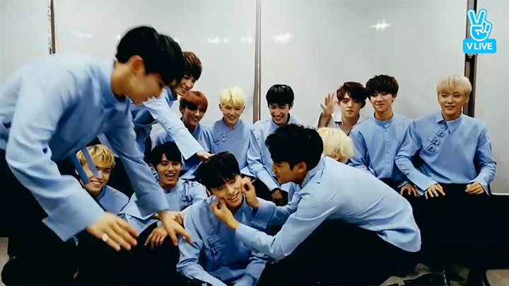 [SEVENTEEN] 세봉이들의 사랑을 담아 막내에게 💘 (DINO getting so much love from other members)