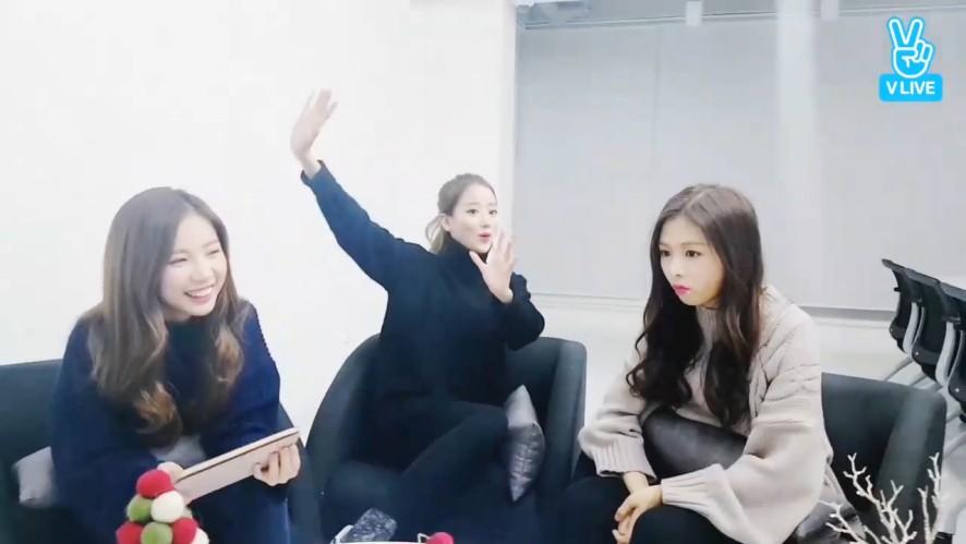 [April] 랩신랩왕 언니라인 잠~깐~만~🎤 (April's rapping)