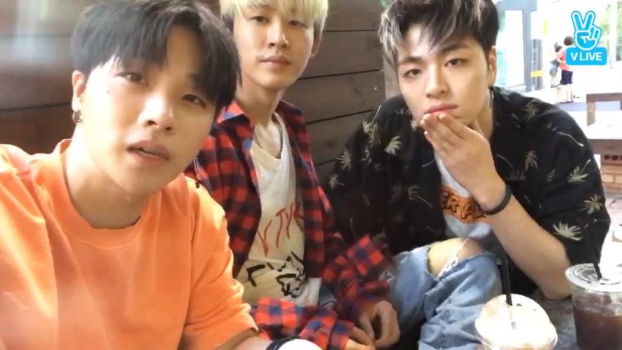 [iKON] 예능콤비의 아(이콘) 연(애) 시(뮬레이션) 🐝💕 (iKON's Daily V live)