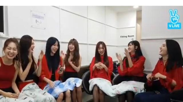 옆집소녀의 뮤뱅데뷔 공작단(Girls next door's music bank debut)