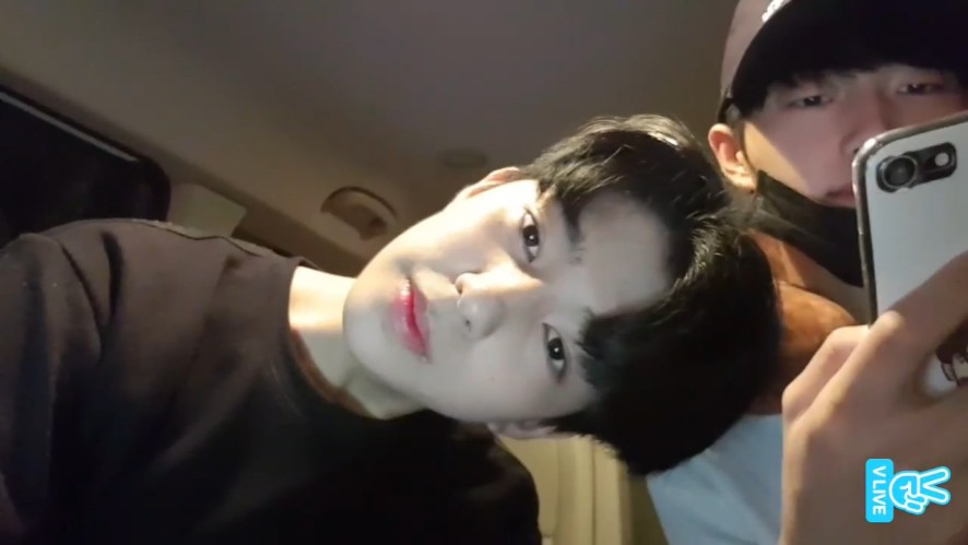 [CHOON Ent.] 오늘도 투닥투닥 춘즈 귀엽고 막 그래😭 (Shihyun&Yongguk's V live on their way to practice)
