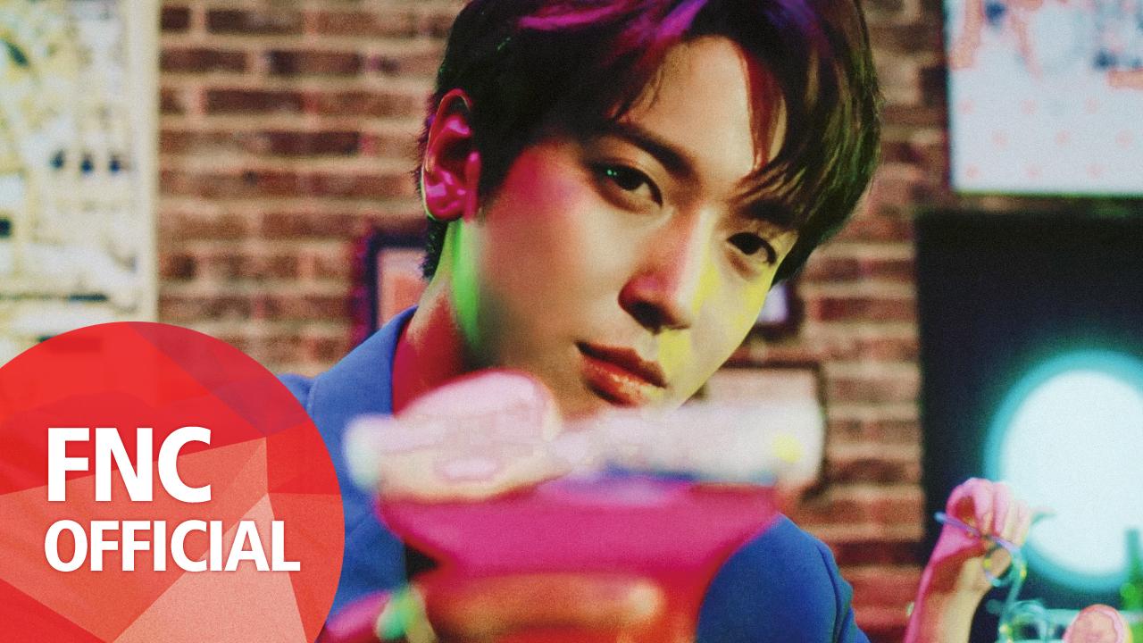 정용화 (Jung Yong Hwa) - 여자여자해 (That Girl) (Feat. 로꼬) M/V