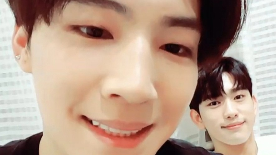 [GOT7] 내일도 오늘도 활력소 뽐녕나잇🌴🌙🍑 (JB changing filters with JinYoung)