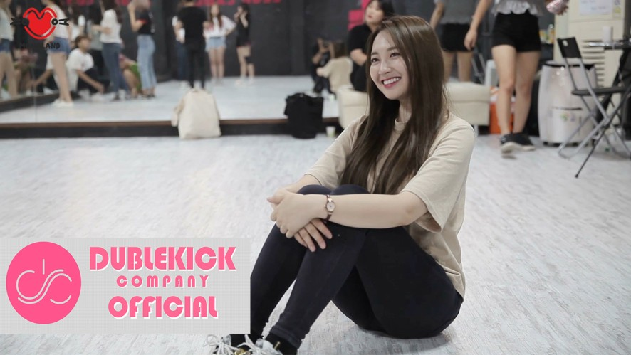 "MOMOLAND(모모랜드) - ""꼼짝마(Freeze)"" Dance Practice Making film"
