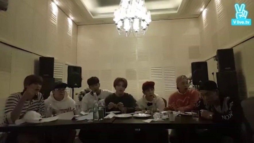 [Block B] 2년 전 블락비의 노래맞추기🎶 in 크루즈 (Block B 2 years ago)