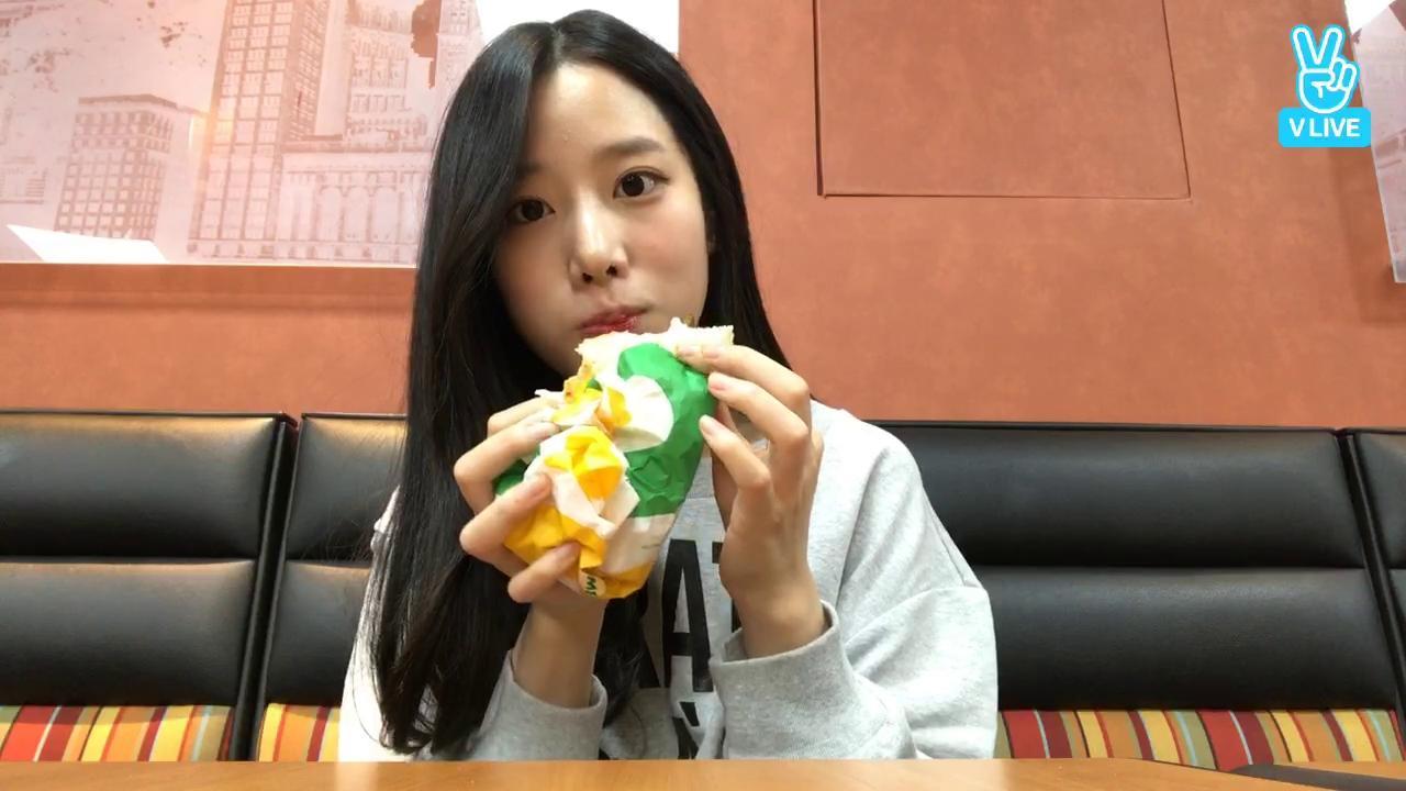 베리굿조현(berrygood johyun)보고싶어요..❤️