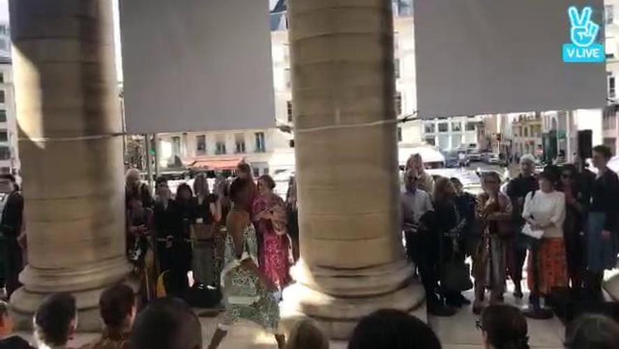 L'Officiel Italia at Paris Fashion Week Women SS 18 - Christian Wijnants