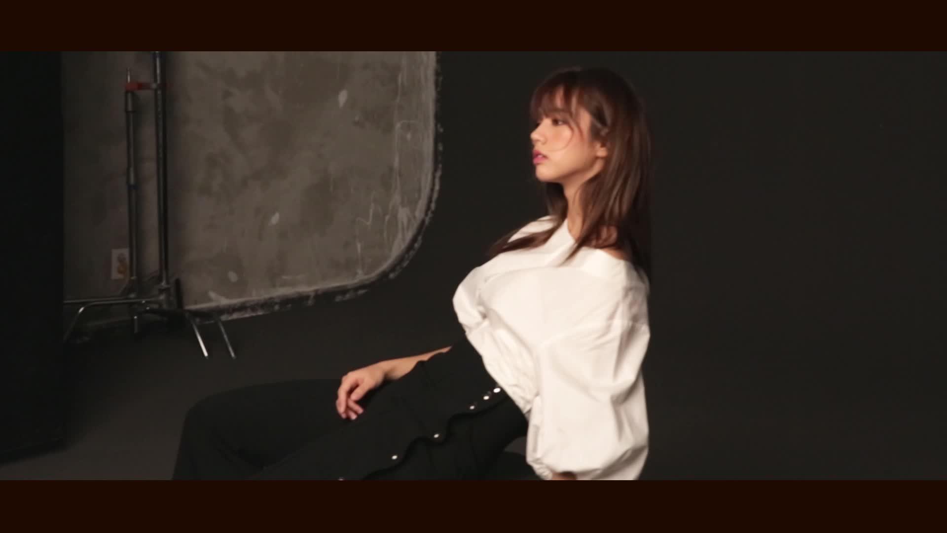[T-CUT] HYERI Photoshoot Behind