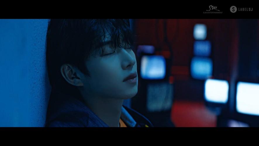 SUPER JUNIOR 슈퍼주니어 '비처럼 가지마요 (One More Chance)' MV