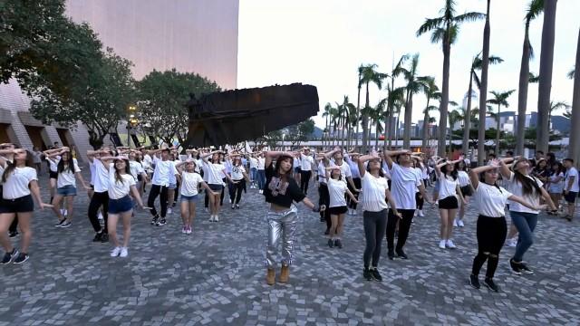 """★공민지★ Minzy """"Ninano"""" Flashmob in Hong Kong"""