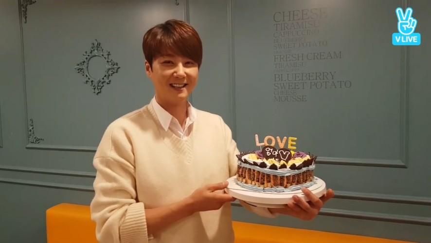 [SHIN HYE SUNG] 셩오빠의 우당탕탕 🌟셩탄절🌟케이크(황토빈대떡 아님) 만들기🎂 (HYESUNG making his birthday day cake)