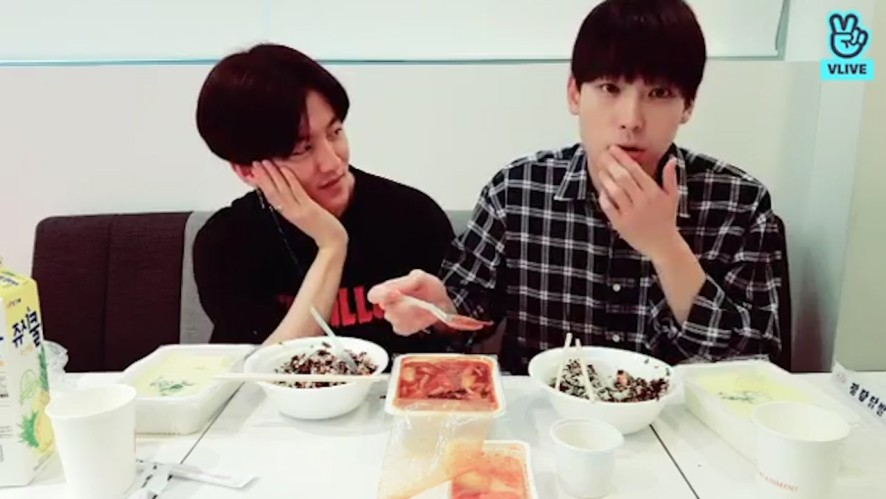 [SF9] 거검 검정맛(매운오징어볶음)~ 궁금해 구삼...🖤 (The first episode of Spicy Flavor 9)