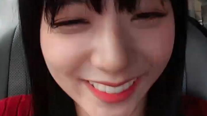 [BLACKPINK] 태국어천재 라지수마노반(❓) (Jisoo lip-synching to Thai)