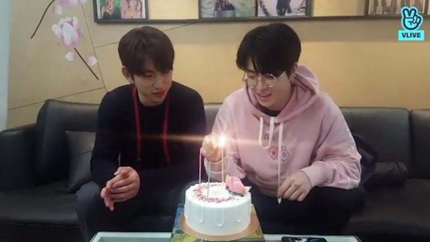 [GOT7] 녕디퉤디의 가쩨븐 4번째 생일 챙기기🎉 (Jinyoung&Youngjae celebrating GOT7's 4th anniversary)