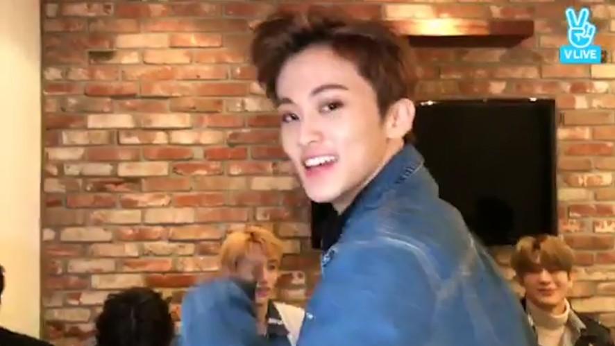 [NCT 127] ⭐️경축 마끄리 심야 브이앱 데뷔⭐️ (MARK's debut of night V live)