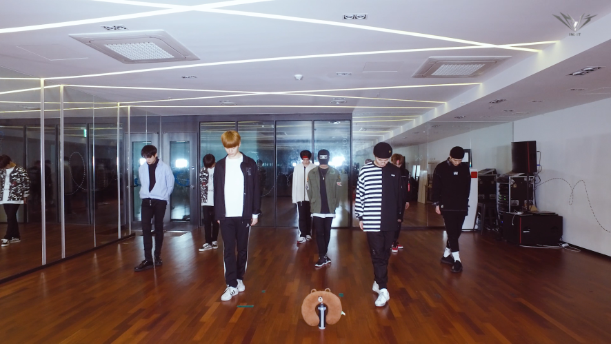 IN2IT - 뺏겠어 STEAL YOUR HEART (DANCE PRACTICE VIDEO)
