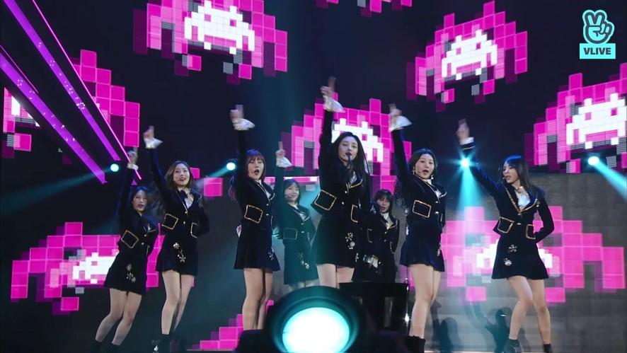 PRISTIN - intro + Wee Woo  (27th Seoul Music Awards)
