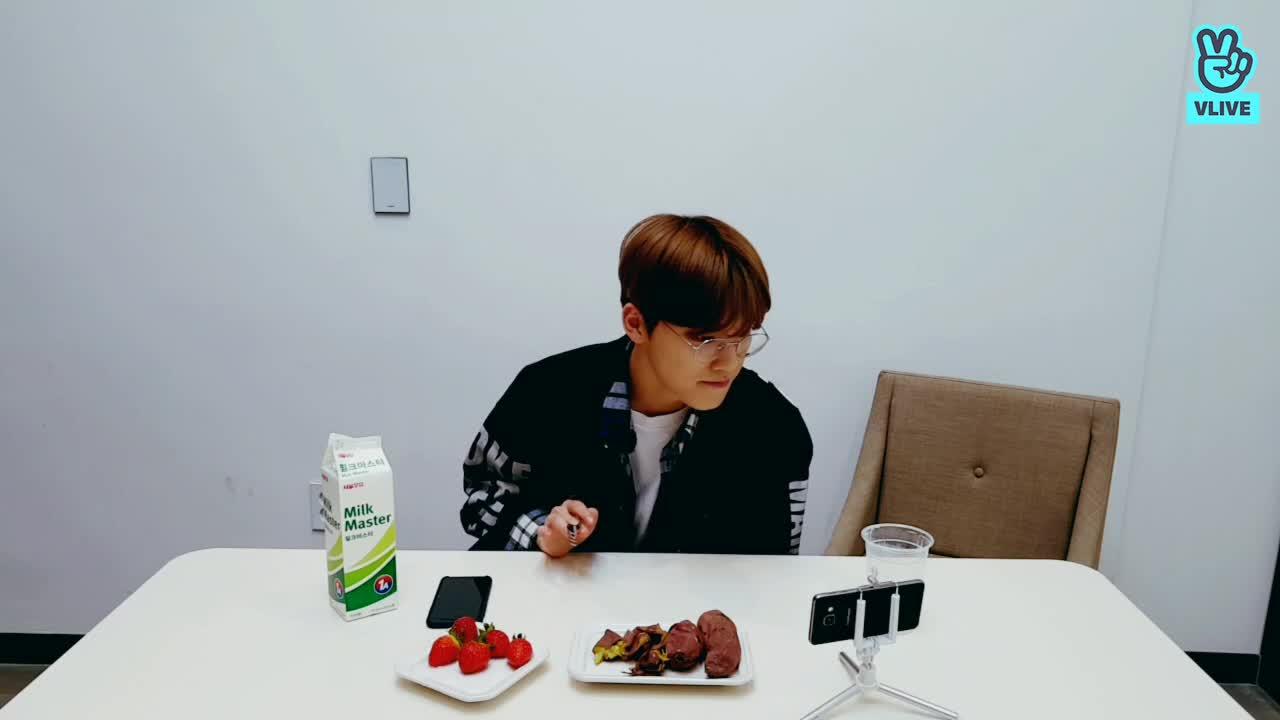 [SEVENTEEN] 디노의 먹방 🍓