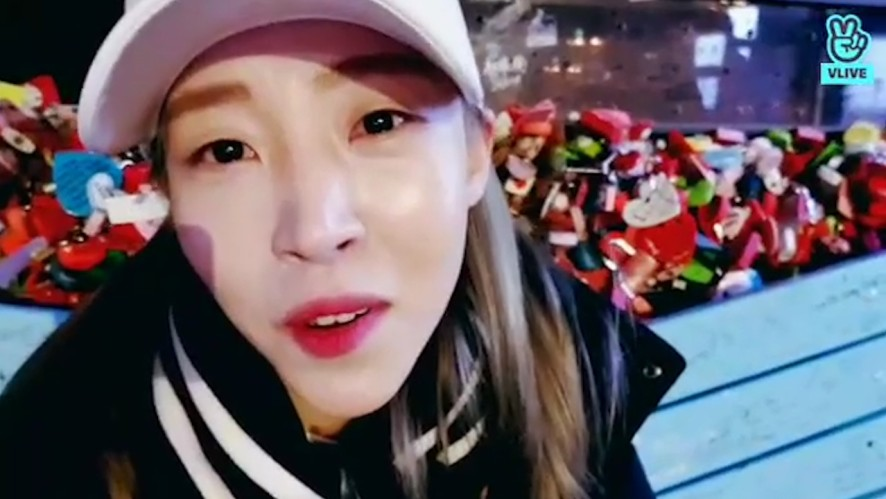 [MAMAMOO] 천재작곡가 문콧물씨🎼 (Moon Byul composing songs)