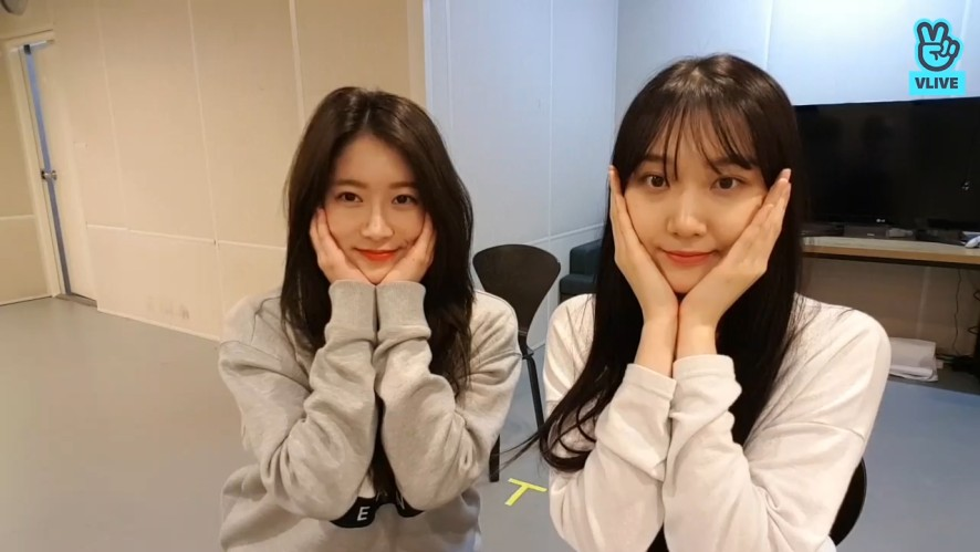 [PRISTIN] 레로의 까아취까치ㅎ댄스와 부작용이 많은 기본기 교실💃🏻(ROA&RENA's dance class)