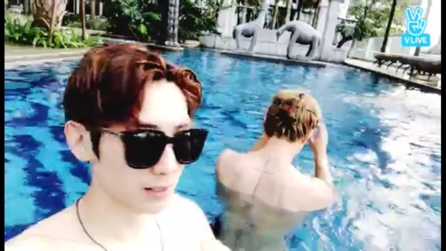 [IN2IT] 수영장 힐링타임🏊🏻♂️