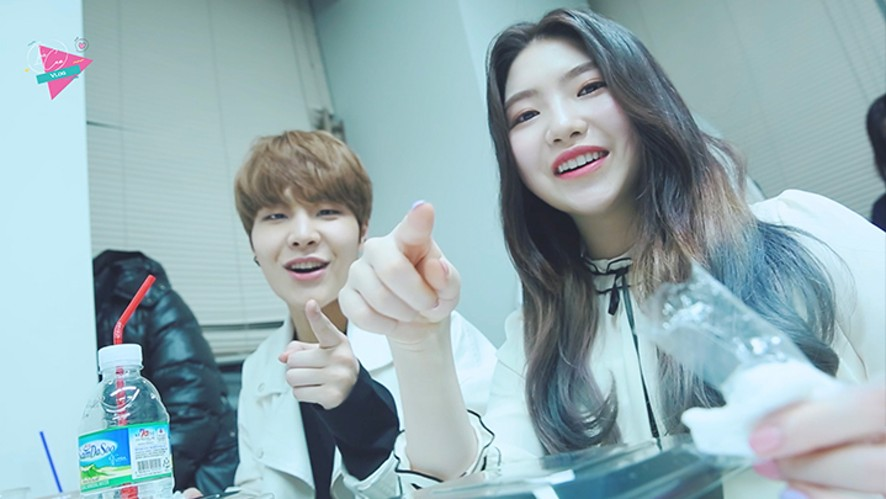 [Iris] VLOG #07 Another Day of Music Show Schedule! (And a new face?) : 뉴페이스와 함께한 음악방송!