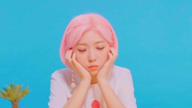 Stella Jang - 월급은 통장을 스칠 뿐 MV