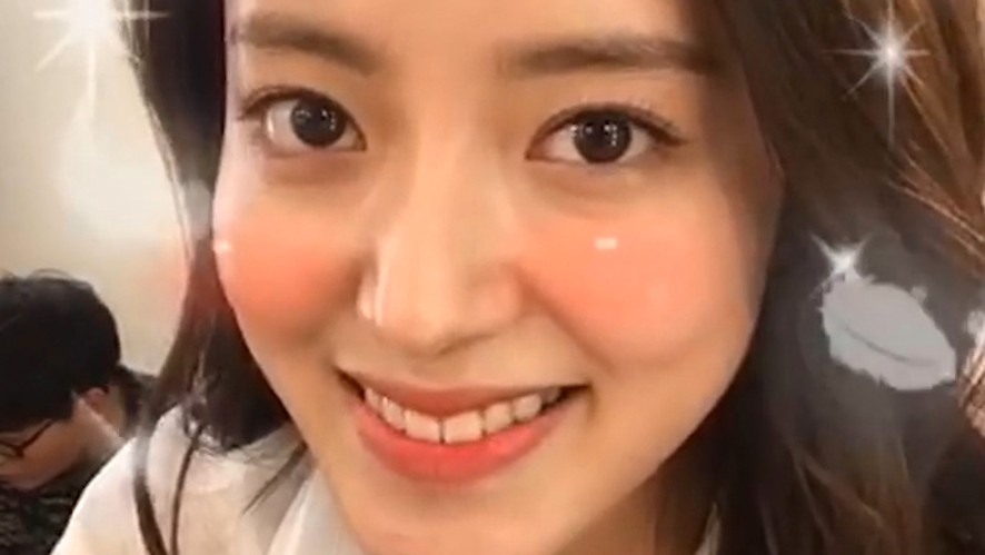 [LEE SE YOUNG] 세영은 오늘도 예쁘세영😍 (SEYOUNG's first V)