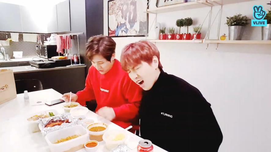 [B1A4] 신&산 먹방 귀여워요 인정~🎶  (CNU&SANDEUL eating curry)