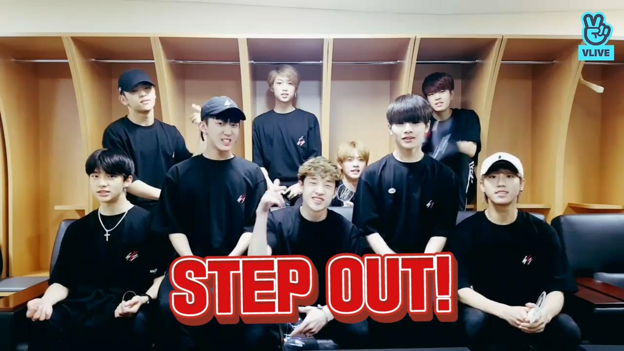 [Stray Kids] 스텝아웃! 슼둥이들의 데뷔 너무 떨레요..🖤(Stray Kids talking about official debut)