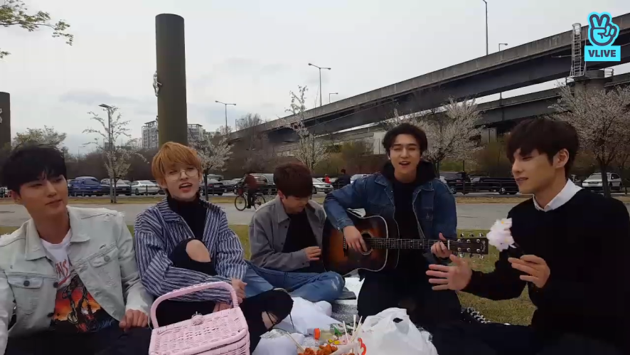 [DAY6] 🌸꽃보다 (바람보다) 데식🌸(DAY6's flower viewing)