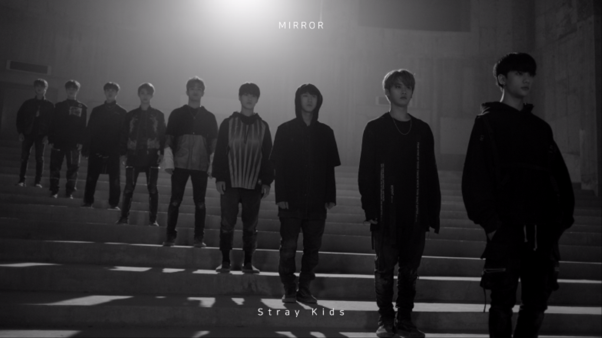"Stray Kids(스트레이 키즈) ""Mirror"" Performance Video Teaser"
